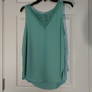 Blouse with neck detail